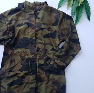 Zara Basics Outerwear Camo Jacket L w Drawstrings